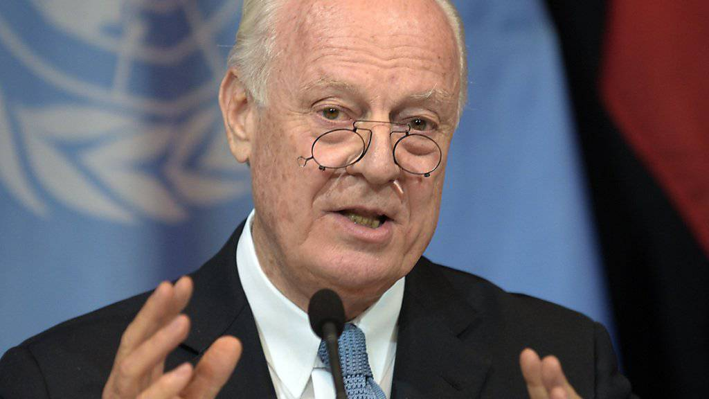 Der UNO-Sondergesandte für Syrien, Staffan de Mistura, bei der Syrien-Konferenz in Wien. Saudi-Arabien plant eine Konferenz der syrischen Rebellengruppen im Vorlauf zu Gesprächen mit der syrischen Regierung.