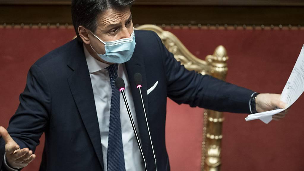 ARCHIV - Giuseppe Conte, Ministerpräsident von Italien, hält im Senat eine Rede. Foto: Roberto Monaldo/LaPresse via ZUMA Press/dpa