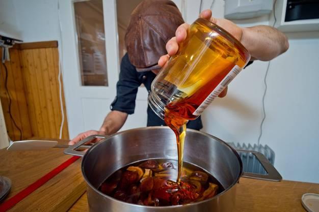 In seiner Küche treffen Kreativität und ganz viele Geschmäcker aufeinander.