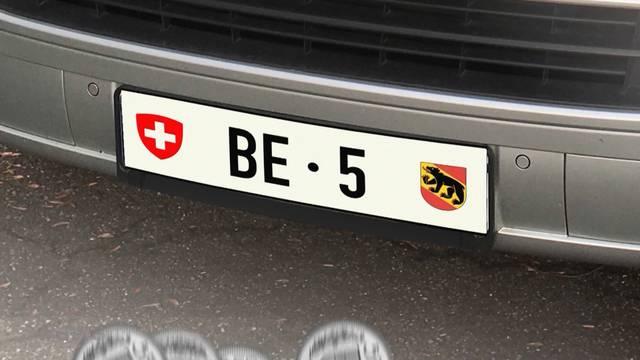 """Autonummer """"BE 5"""" für 151'000 Franken verkauft"""