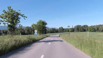 Die langen geraden Strassen, die nach und von Tscheppach wegführen, verleiten zum Schnellfahren.