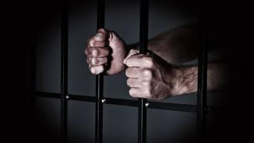 Häftlinge sortieren sensible KESB-Akten