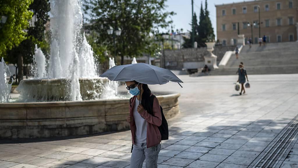 Hitze in Griechenland lässt nicht nach - Brände auf Rhodos eingedämmt