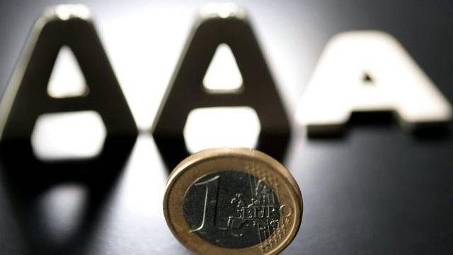Nach den drei Muster-Euro-Ländern gerät nun auch der Rettungsschirm EFSF von Moody's unter Druck