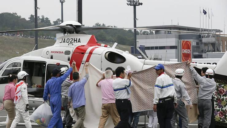 Alex De Angelis wird am Samstag mit dem Heli ins Spital geflogen