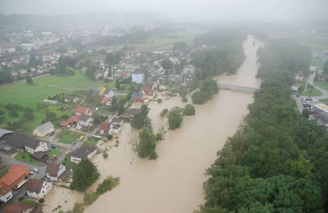 Überflutungen im Gebiet zwischen Dulliken, Däniken und Obergösgen im Jahr 2007