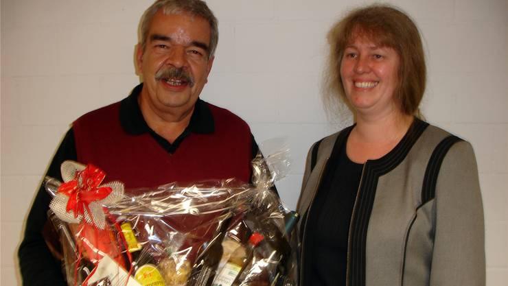 An der Vorstandssitzung in Leutwil wurde RPV-Präsident RuediBaumann von seiner Nachfolgerin Gabi Lauper verabschiedet. tf