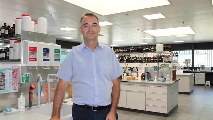 Christian Steeb, seit Anfang August Geschäftsführer der Firma Rotoflex, im Entwicklungslabor.