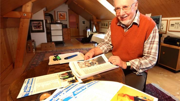 Eugen Rauber berichtet seit 33 Jahren als Redaktor der Chropftuube-Zeitung über das Leben im Dorf. HR. Aeschbacher
