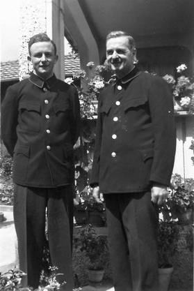 Vater und Sohn: Kurt (l.) und Karl Obrist in Uniform, nach 1940.