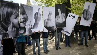 In Europa wird gegen das EU-Freihandelsabkommen mit der USA demonstriert