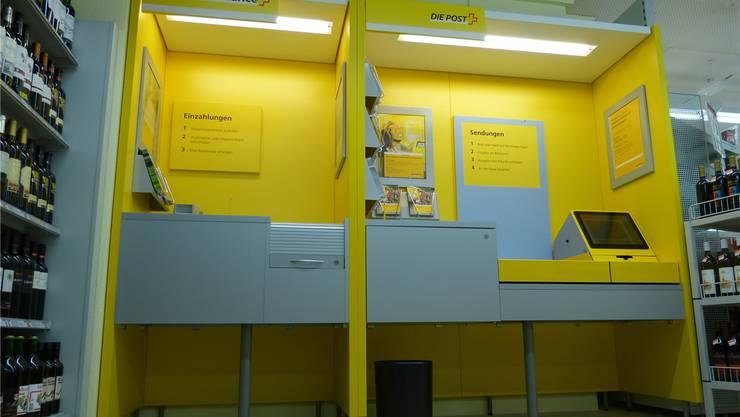 Von den neuen Öffnungszeiten der Poststelle im Volg profitieren die Kunden. LD