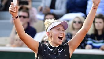 Sie hat allen Grund zum Jubeln: Die junge Amanda Anisimova wandelt auf den Spuren von Maria Scharapowa und zieht in Paris in den Viertelfinal ein.