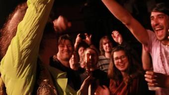 Das Sounddock 14 zieht Musikgrössen an: Randy Hanson beim Bad in der Menge an einem Konzert Anfang November. Mojan Salehipour