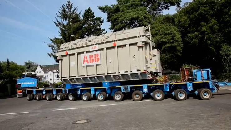 Die ABB transportierte vier Riesentransformatoren in die Glarner Alpen