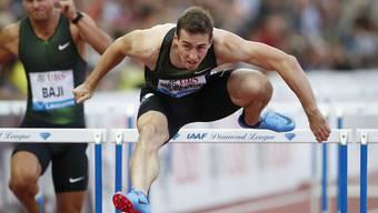 Sergej Schubenkow distanziert über 110 m Hürden seine Konkurrenten
