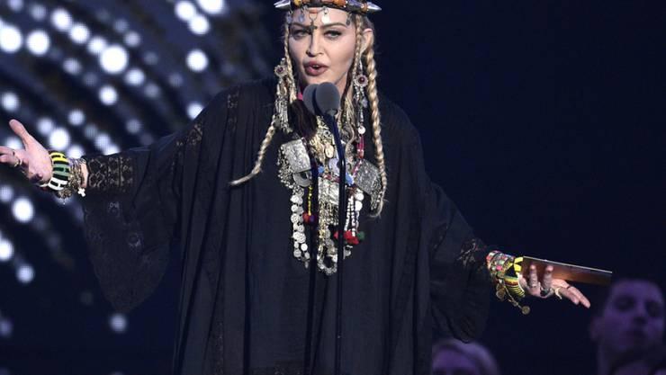 US-Popstar Madonna ist eingeschnappt und rechtfertigt sich, nachdem sie in den Sozialen Medien für ihre Rede bei den MTV Video Music Awards kritisiert worden ist.
