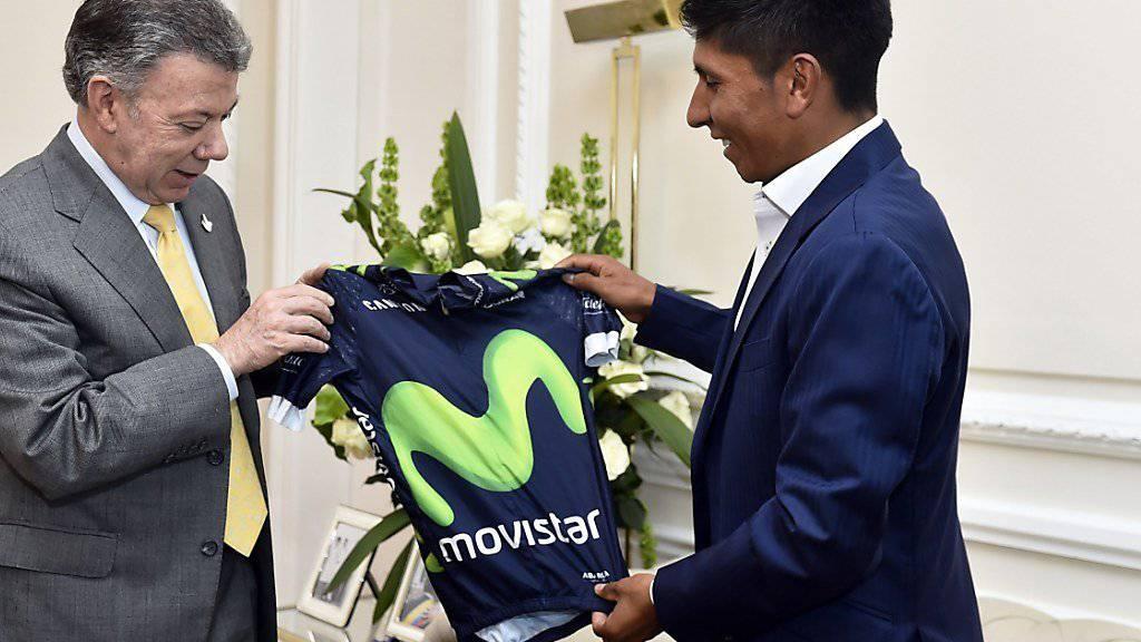 Nairo Quintana (rechts) wird weiterhin für Movistar fahren
