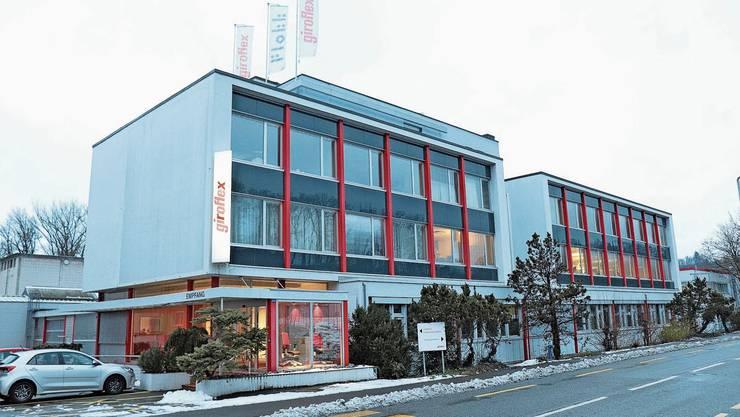 Einst eroberten die Giroflex-Stühle die Büros der Welt, bald ist aber Schluss: Der Flokk-Konzern will den Betrieb einstellen.