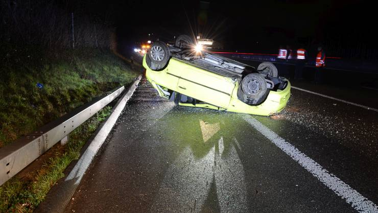 Das Auto überschlug sich beim Selbstunfall.