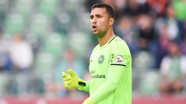 Dejan Stojanovic wird seine Verteidiger künftig in Englisch ansprechen.