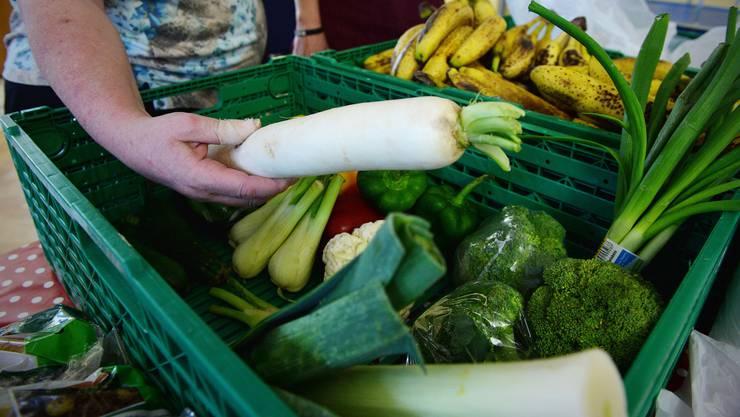 «Tischlein deck dich» verteilt Lebensmittel, die sonst vernichtet würden, an Bedürftige. (Archivbild)