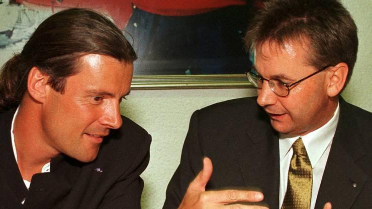 Von 1999 bis 2002 ist Freysinger Präsident der SVP Wallis, die er mitbegründet hat.