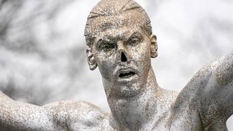 Bereits zum zweiten Mal ist die Ibrahimovic-Statue in Malmö Vandalen zum Opfer gefallen. (Archivbild)