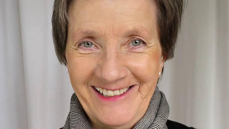 Greta Gantenbein ist 1948 in Zürich geboren und trat 1969 als Air-Hostess – wie der Beruf damals noch hiess – in die Swissair ein. Sie verfügt über 30 Jahre Berufserfahrung und arbeitete zwischenzeitlich parallel für eine private Airline. Nach dem Grounding am2. Oktober 2001 war sie bis 2006 bei der Swiss angestellt. Greta Gantenbein ist Mutter von zwei Kindern und Grossmutter von zwei Enkeln. Sie wohnt im Kanton Aargau.