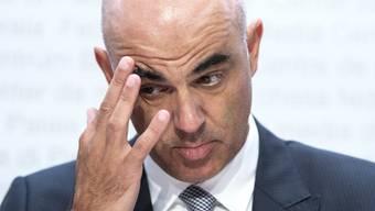 Alain Berset will zurück zur Containment-Strategie.