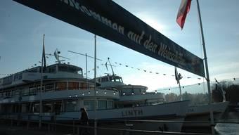 Direkt neben den Weinschiffen der Expovina war diesen Herbst auch ein Drogenschiff geplant.