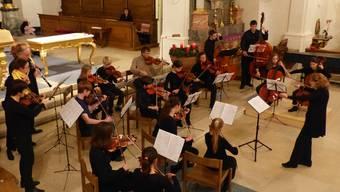 Schüler und Lehrer der Musikschule Frick beim besinnlichen Adventskonzert.
