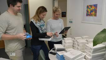 Mirko Schumacher, Nathalie Obrecht und Sonja Leuenberger nahmen im Frühling die neuen Geräte in Betrieb.