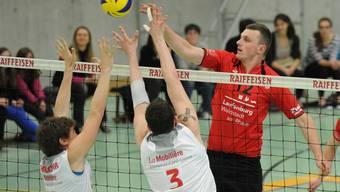 Stjepan Grgic (rechts, Laufenburg) brachte Smash 05 im zweiten Satz in Führung. (Bild: Alexander Wagner)