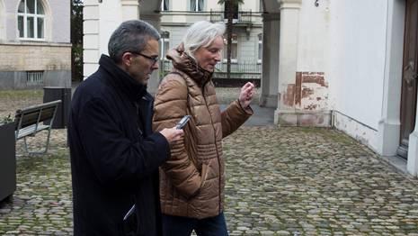 «Nach dem Tod kommt einfach nichts»: Philosophin Annemarie Pieper auf dem Spaziergang durch Rheinfelden mit az-Redaktor Thomas Wehrli. Alex Spichale