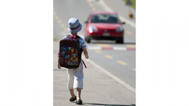 Auf ihren Schulwegen sind Kinder vielen Gefahren ausgesetzt. Foto: Keystone