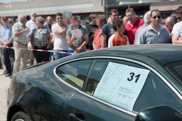 Doch nicht alle fanden ihr Wunschauto: Autohändler kritisierten die hohen Startpreise