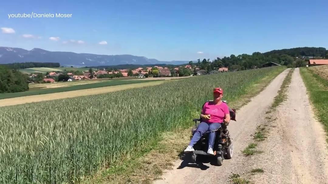 Eindrücke von der Rollstuhl-Challenge:  Recherswilerin Daniela Moser fuhr im Elektrorollstuhl durch die Schweiz