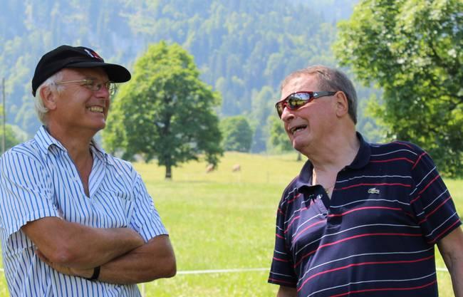 Ehrenpräsident Bruno Huber (rechts) auf Besuch mit Jürg Schibler, Leiter der Sportfachstelle