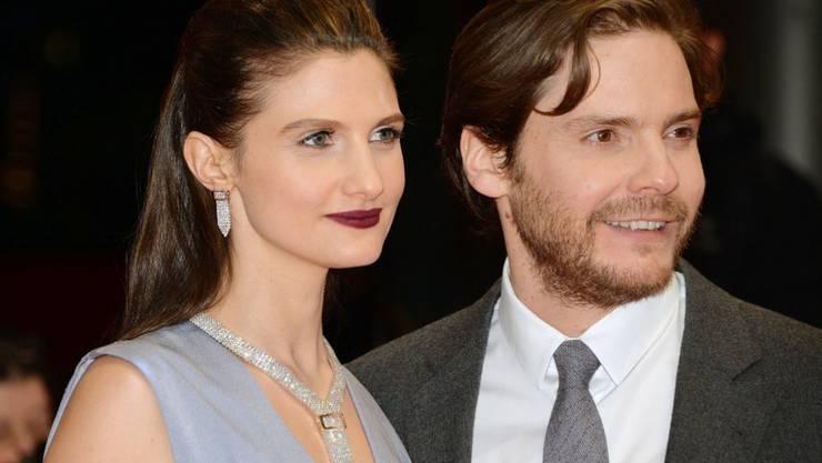 Der Schauspieler Daniel Brühl (r) und die Psychologin Felicitas Rombold (l) haben zu Beginn 2018 heimlich geheiratet. (Archiv)