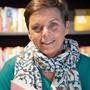 Lotti Latrous bei einer Signierstunde ihres neuen Buchs in St.Gallen.