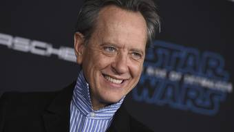 "Richard E. Grant hat es geschafft: Mit seiner Rolle in ""Star Wars: The Rise of Skywalker"" ging für den britischen Schauspieler ein Jugendtraum in Erfüllung."
