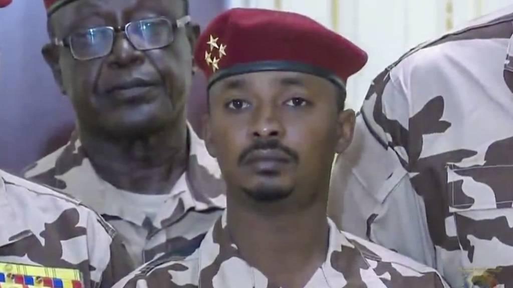 Nach Tod des Staatschefs regelt Tschads Militärrat Regierungsarbeit