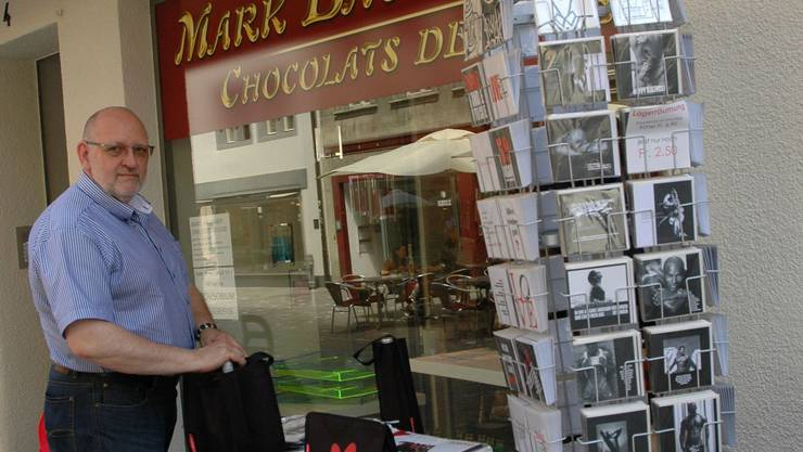 Jürg Giger verkauft statt Schokolade nun Schmuck.