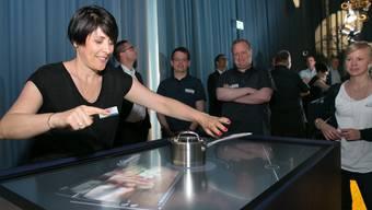 Das Kochfeld mit Computer und Touch-Bildschirm ist laut Bauknecht die künftige Kommandozentrale in der Küche. Kochen kann man darauf auch.