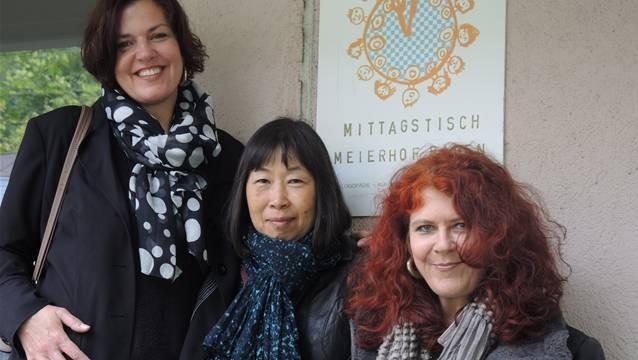 Franziska Minikus, Keiko Baumli und Bea Timcke (v.l.) bedauern den Entscheid des Stadtrats, den Mittagstisch Meierhof zu schliessen. Schon von Anfang an arbeiten sie beim Mittagstisch.