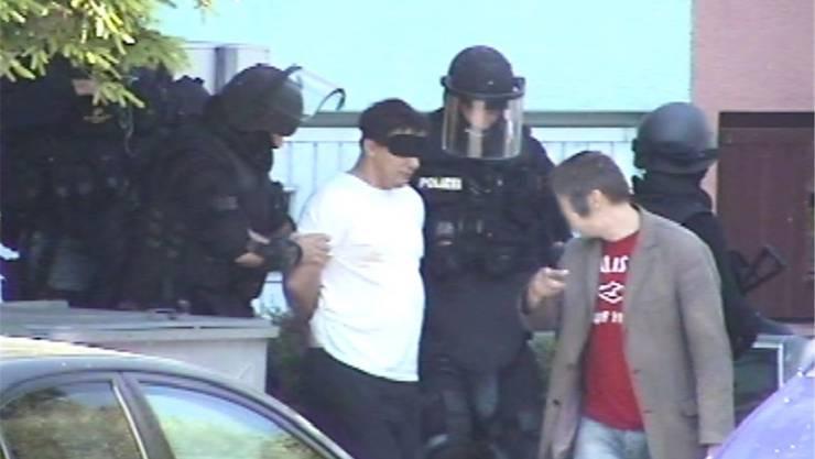 Am Sonntag, 22. Juni 2014, verhaftete die Spezial-Einsatzgruppe Diamant der Kantonspolizei den landesweit gesuchten Serben in Uster. Seit diesem Tag um 10.15 Uhr ist er inhaftiert.