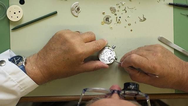 In der Uhrenindustrie sollen Hunderte neue Arbeitsplätze geschaffen werden