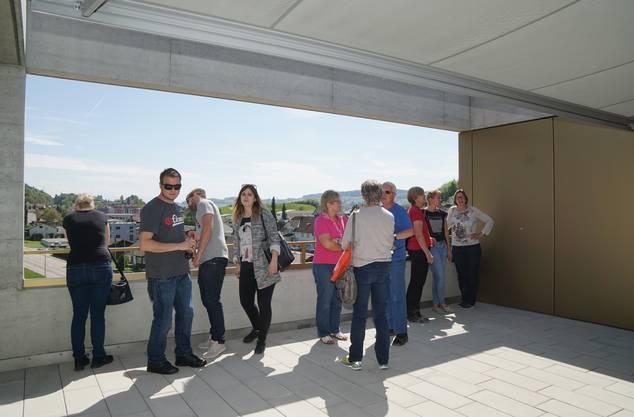 Die grossen Balkone mit der Aussicht gefielen den Besuchern.