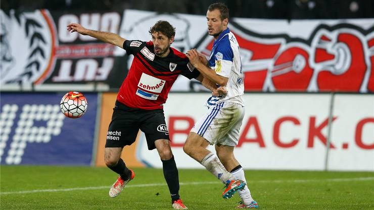 FCA-Innenverteidiger Juan Pablo Garat leistet sich im Test gegen Vaduz einen unverzeilichen Ausraster.